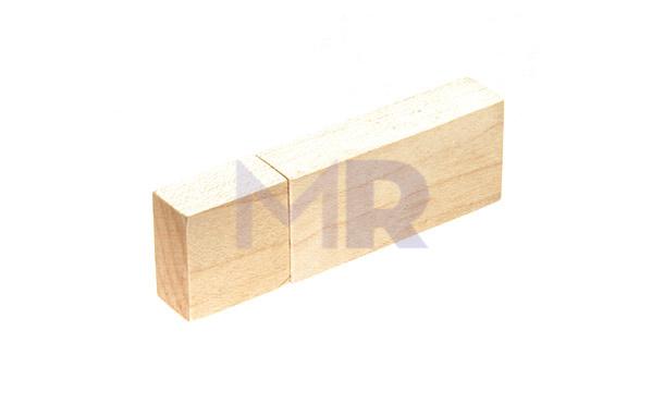 Pamięć USB z drewna w różnych odcieniach