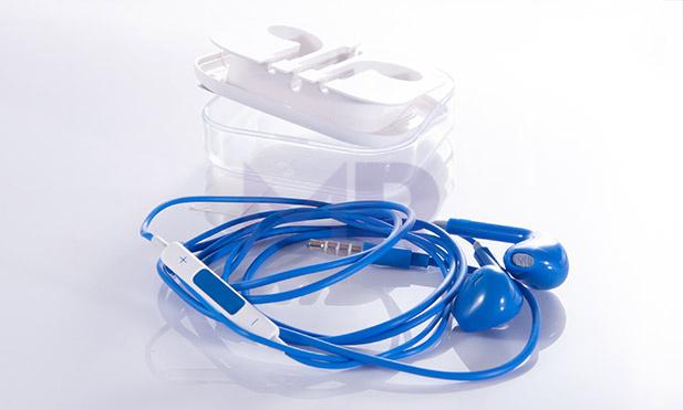 earphones 2