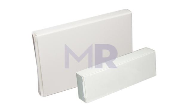 Białe opakowanie na pamięci USB